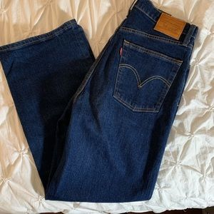 Levi's rib cage jean - size 29 worn once